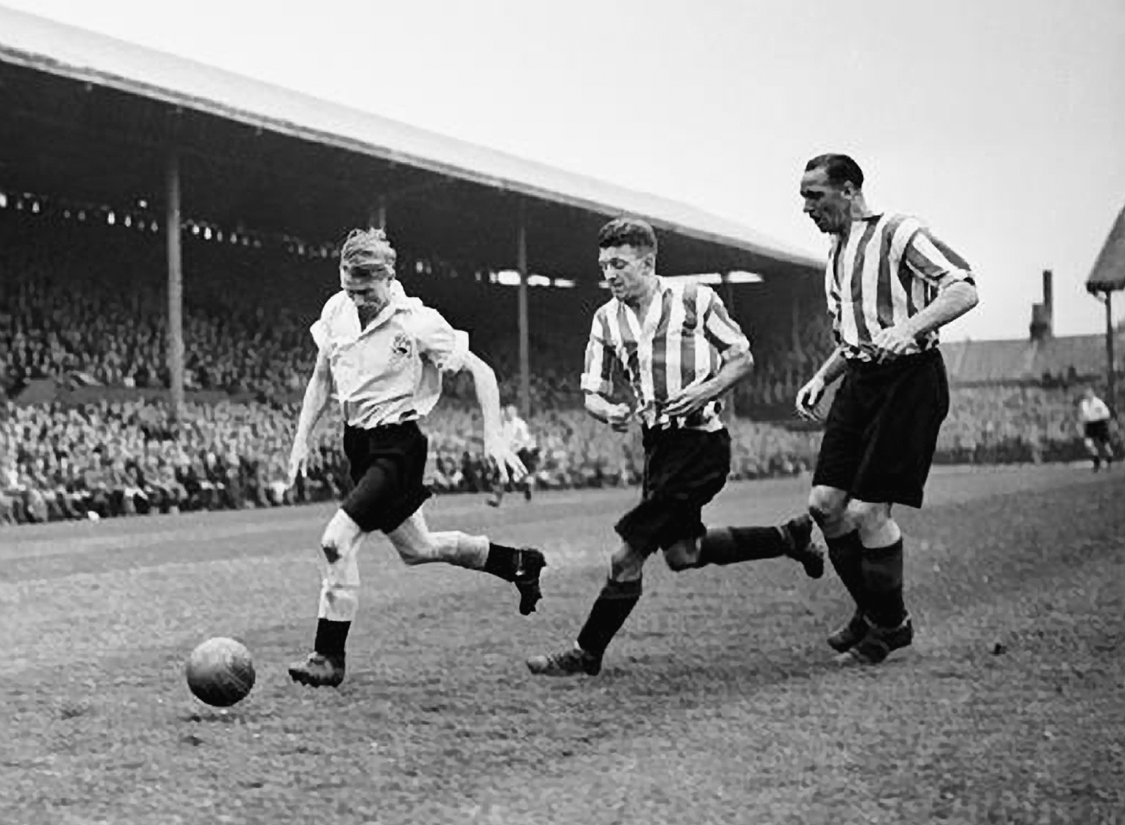 Peter Doherty in action against Brentford